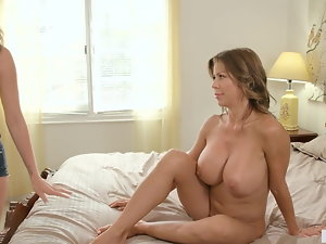Mom and Daughter can squirt like hydrants
