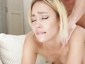 Well-built fellow nicely impales good-looking blonde newbie