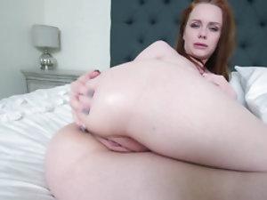 Cute but horny skinny pussy masturbates and sucks off