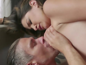Natural beauty enjoys first cheating sex with well-hung man
