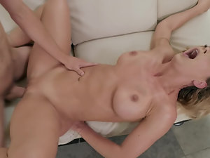 Talented youngster gives MILF incredible sexual pleasure