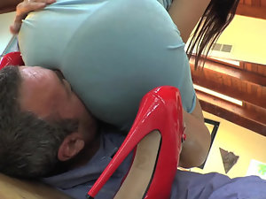 Director worships round asses with his face