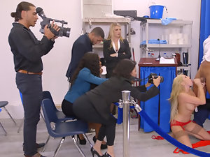 A slut blonde is getting fucked by the president in front of the camera