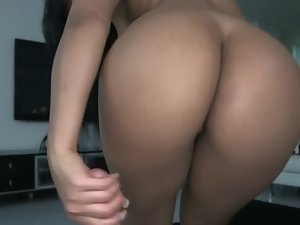 Amazing Latina is bringing her mouth close to the cock